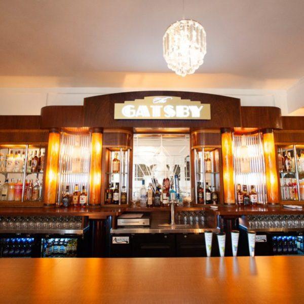 1920s wedding venue antique bar