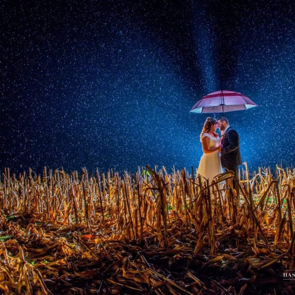 bride and groom with night sky