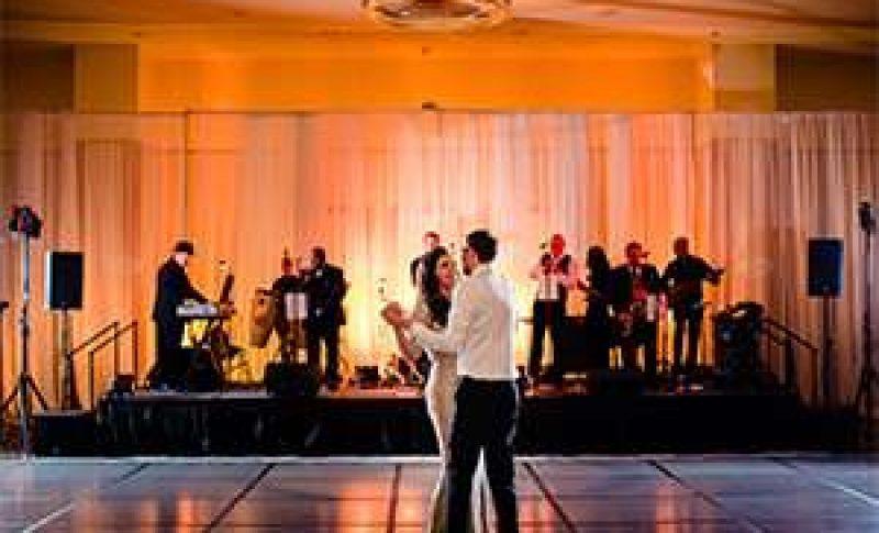 wedding dance with band