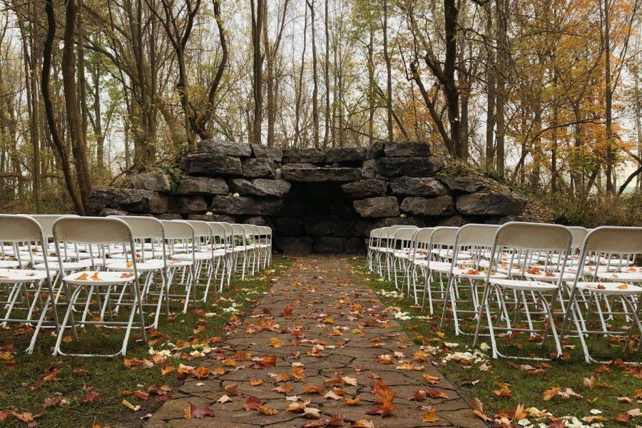 outdoor wedding venue ceremony site